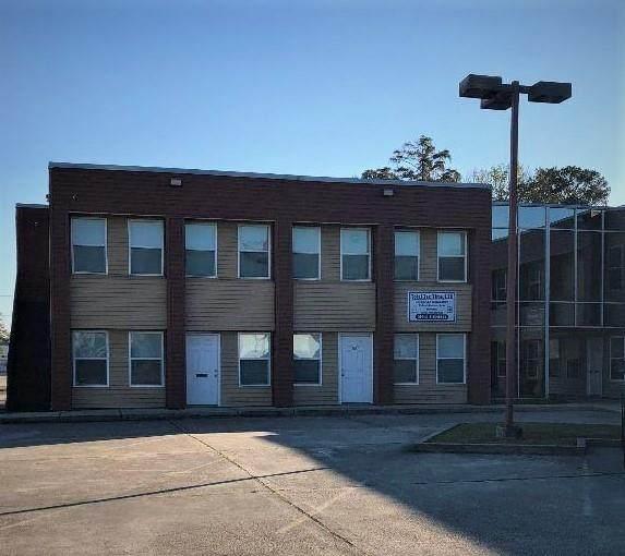 2100 Woodmere Boulevard - Photo 1