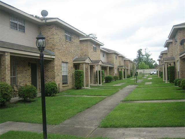 126 Lakewood Drive - Photo 1