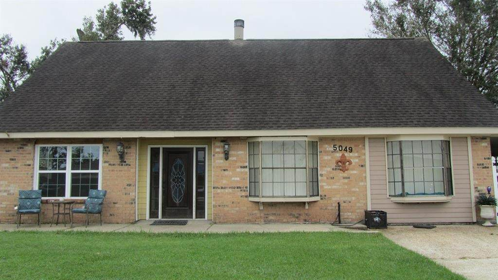 5049 Willowtree Road - Photo 1