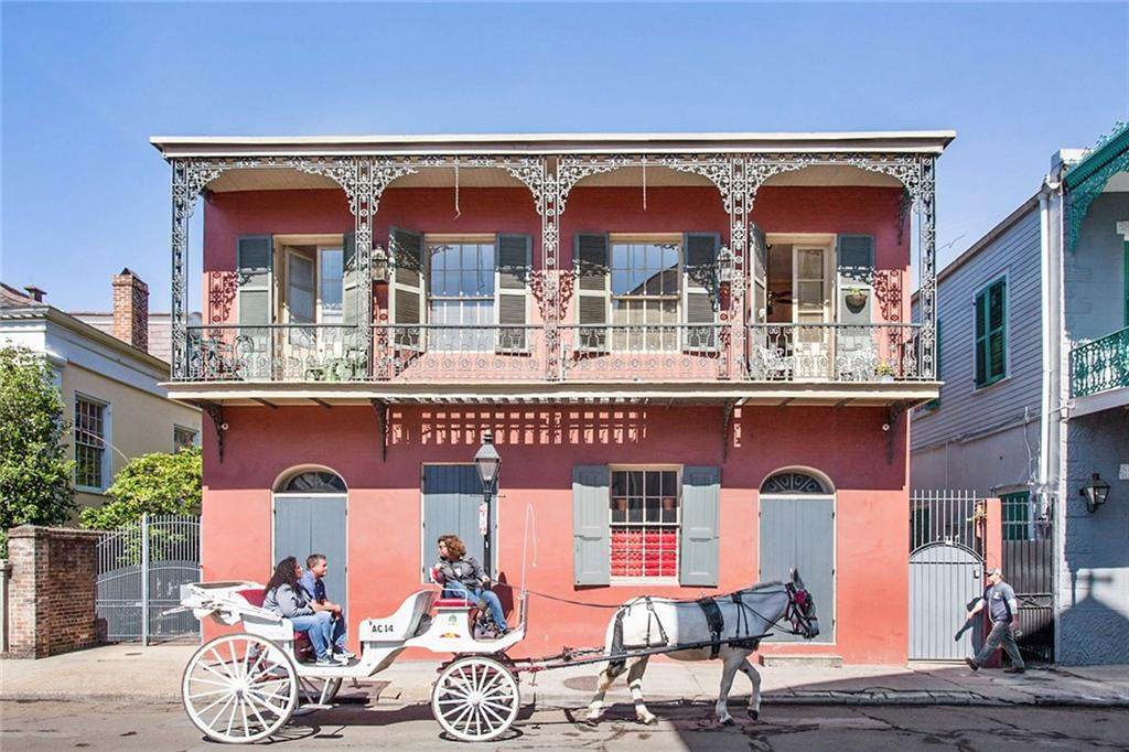 1119 Chartres Street - Photo 1