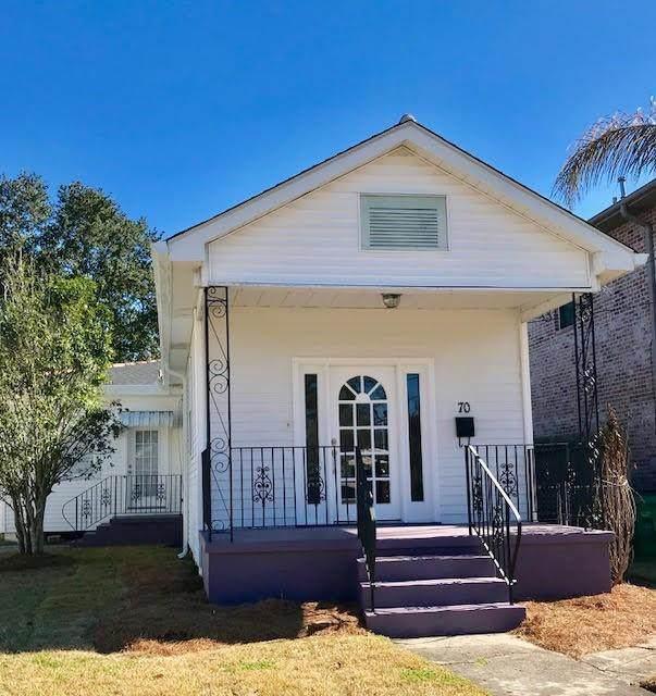 70 Metairie Court, Metairie, LA 70001 (MLS #2319552) :: Turner Real Estate Group