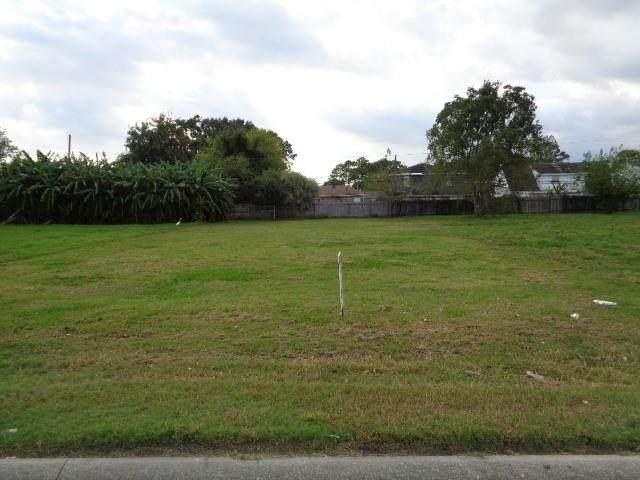 620 Behrman Highway, Terrytown, LA 70056 (MLS #2319988) :: United Properties