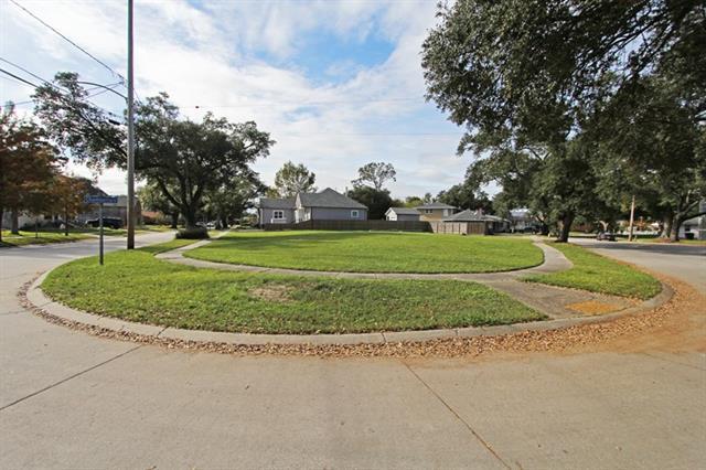 5000 Chamberlain Drive, New Orleans, LA 70122 (MLS #2037517) :: Inhab Real Estate