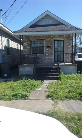 2433 Touro Street, New Orleans, LA 70119 (MLS #2047630) :: Turner Real Estate Group