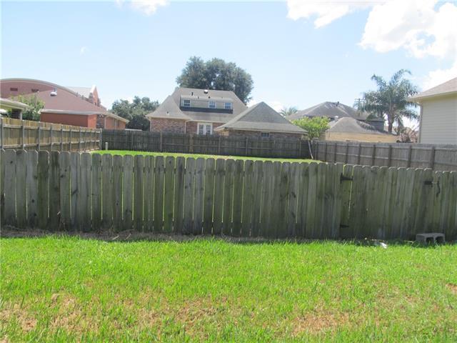 1432 Prentiss Avenue, New Orleans, LA 70122 (MLS #2060829) :: Parkway Realty
