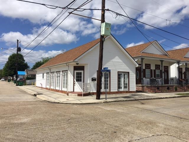 832 Derbigny Street, Gretna, LA 70053 (MLS #2100239) :: Turner Real Estate Group