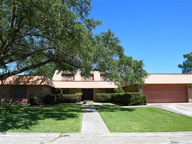 425 Fairfield Avenue, Gretna, LA 70056 (MLS #2103643) :: Turner Real Estate Group