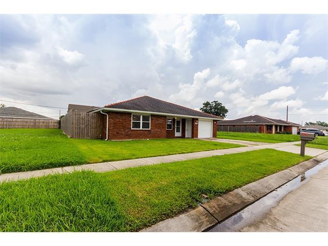 2704 Creely Drive, Chalmette, LA 70043 (MLS #2110758) :: Turner Real Estate Group
