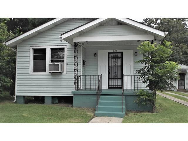 820 Dolhonde Street, Gretna, LA 70053 (MLS #2112479) :: Crescent City Living LLC