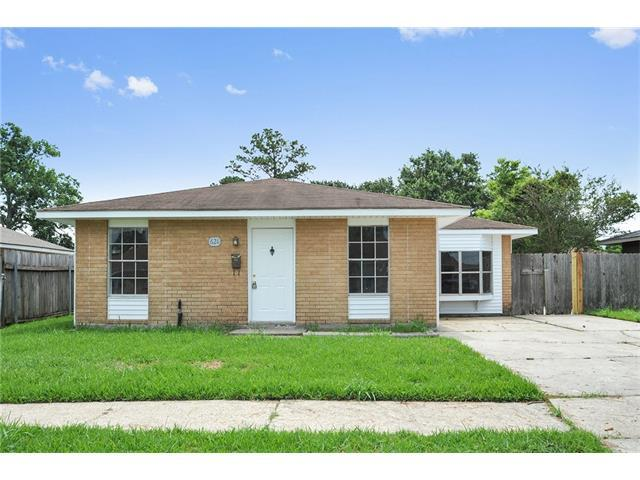 621 Grovewood Drive, Gretna, LA 70056 (MLS #2113070) :: Turner Real Estate Group