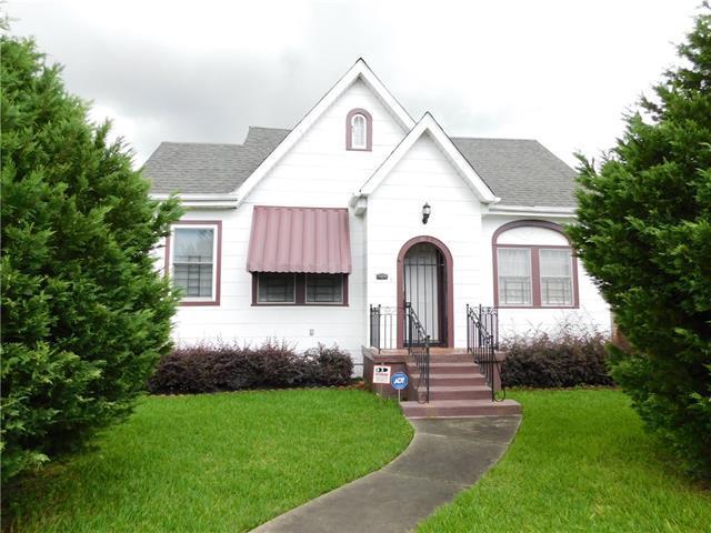 3433 Clermont Drive, New Orleans, LA 70122 (MLS #2118926) :: Crescent City Living LLC