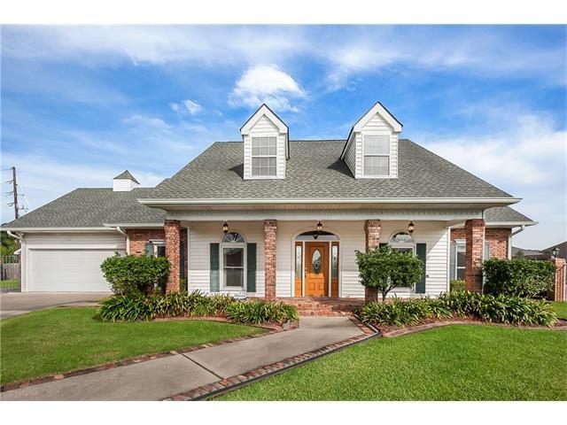 2 Fairfax Court, Marrero, LA 70072 (MLS #2128629) :: Turner Real Estate Group