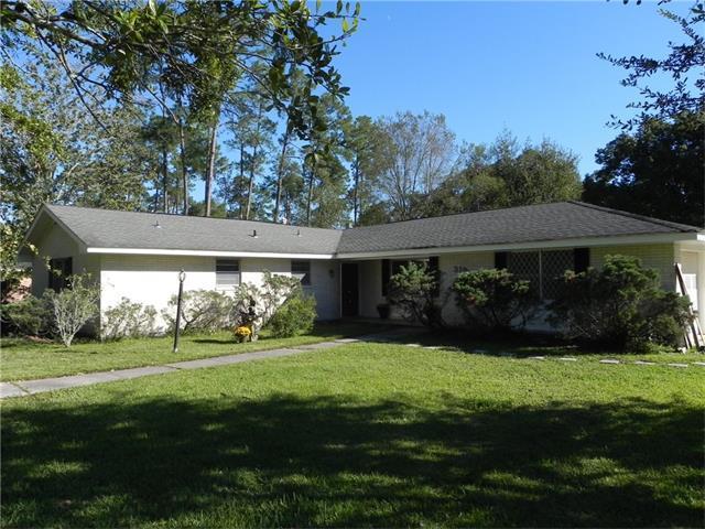 319 Country Club Boulevard, Slidell, LA 70458 (MLS #2129133) :: Turner Real Estate Group