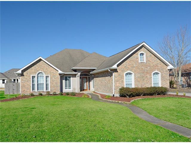 1209 Lake Louise Drive, Gretna, LA 70056 (MLS #2137765) :: Turner Real Estate Group