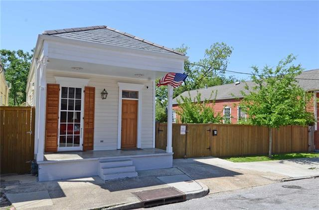 1220 Louisa Street, New Orleans, LA 70117 (MLS #2149810) :: Barrios Real Estate Group