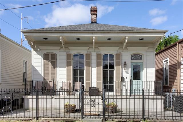 504 Philip Street, New Orleans, LA 70130 (MLS #2150816) :: Barrios Real Estate Group