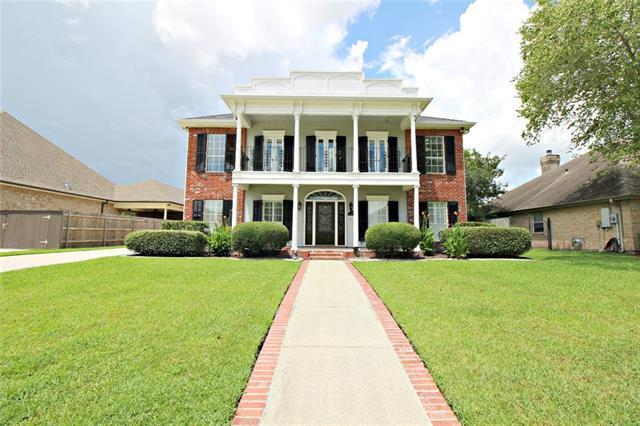 118 Country Manor Road, Belle Chasse, LA 70037 (MLS #2152291) :: Parkway Realty
