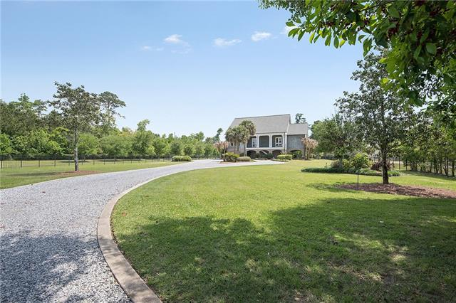 109 Holly Street, Mandeville, LA 70448 (MLS #2152555) :: The Robin Group of Keller Williams