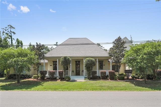 175 Magnolia Street, Mandeville, LA 70448 (MLS #2155672) :: The Robin Group of Keller Williams