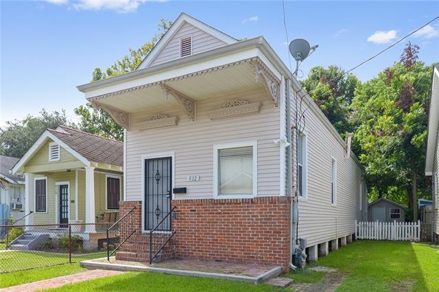 932 8TH Street, Gretna, LA 70053 (MLS #2158044) :: Turner Real Estate Group