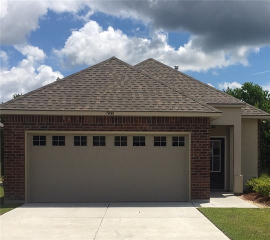 19155 Greenleaf Circle, Ponchatoula, LA 70454 (MLS #2158155) :: Crescent City Living LLC