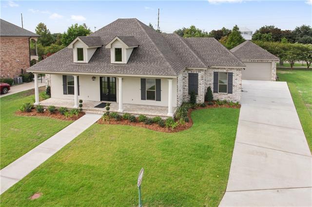 77 Dogwood Drive, Kenner, LA 70065 (MLS #2161970) :: Turner Real Estate Group