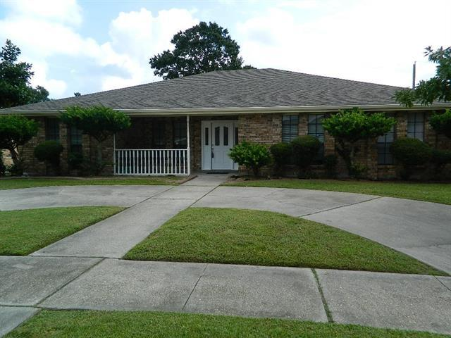 2565 Orbit Court, Harvey, LA 70058 (MLS #2171424) :: Parkway Realty