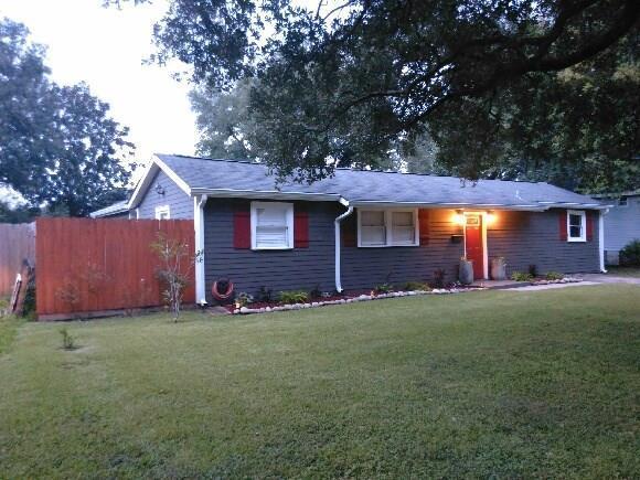 211 Berkley Drive, New Orleans, LA 70131 (MLS #2174354) :: Robin Realty