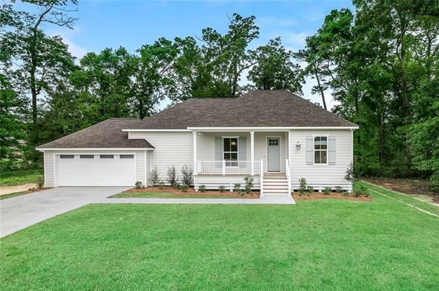 308 Oak Hollow Drive, Madisonville, LA 70447 (MLS #2176320) :: Turner Real Estate Group