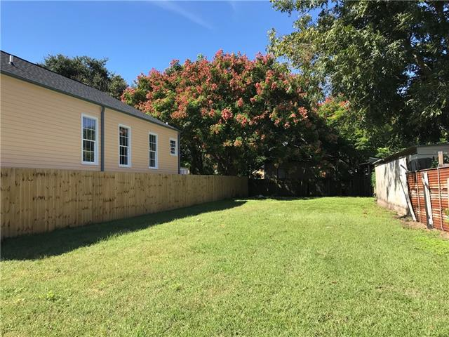 722 Charbonnet Street, New Orleans, LA 70117 (MLS #2178543) :: Crescent City Living LLC