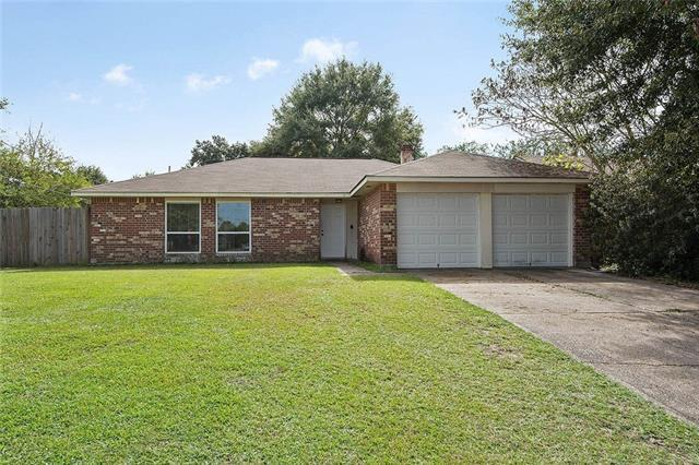 585 Lenwood Drive, Slidell, LA 70458 (MLS #2178678) :: Crescent City Living LLC