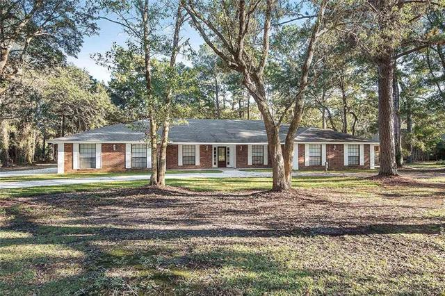 120 Rue De La Paix Drive, Slidell, LA 70461 (MLS #2180712) :: Crescent City Living LLC