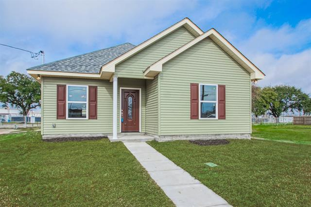 2400 Munster Boulevard, Meraux, LA 70075 (MLS #2189416) :: Crescent City Living LLC