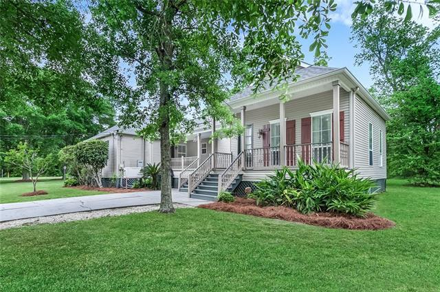 401 Marigny Avenue, Mandeville, LA 70448 (MLS #2191441) :: Watermark Realty LLC
