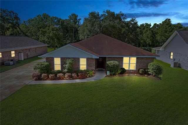 226 Somerset Street, La Place, LA 70068 (MLS #2203099) :: Inhab Real Estate