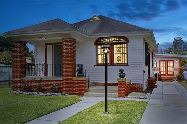 1907 Bodenger Boulevard, New Orleans, LA 70114 (MLS #2204437) :: Crescent City Living LLC