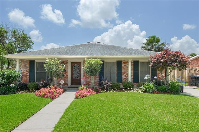 5693 Evelyn Court, New Orleans, LA 70124 (MLS #2204486) :: The Sibley Group