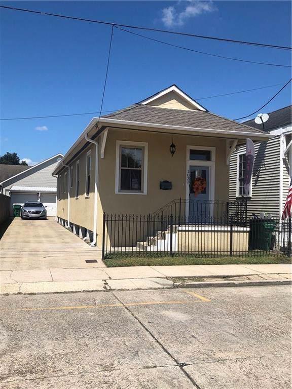 1033 6TH Street, Gretna, LA 70053 (MLS #2222572) :: Crescent City Living LLC