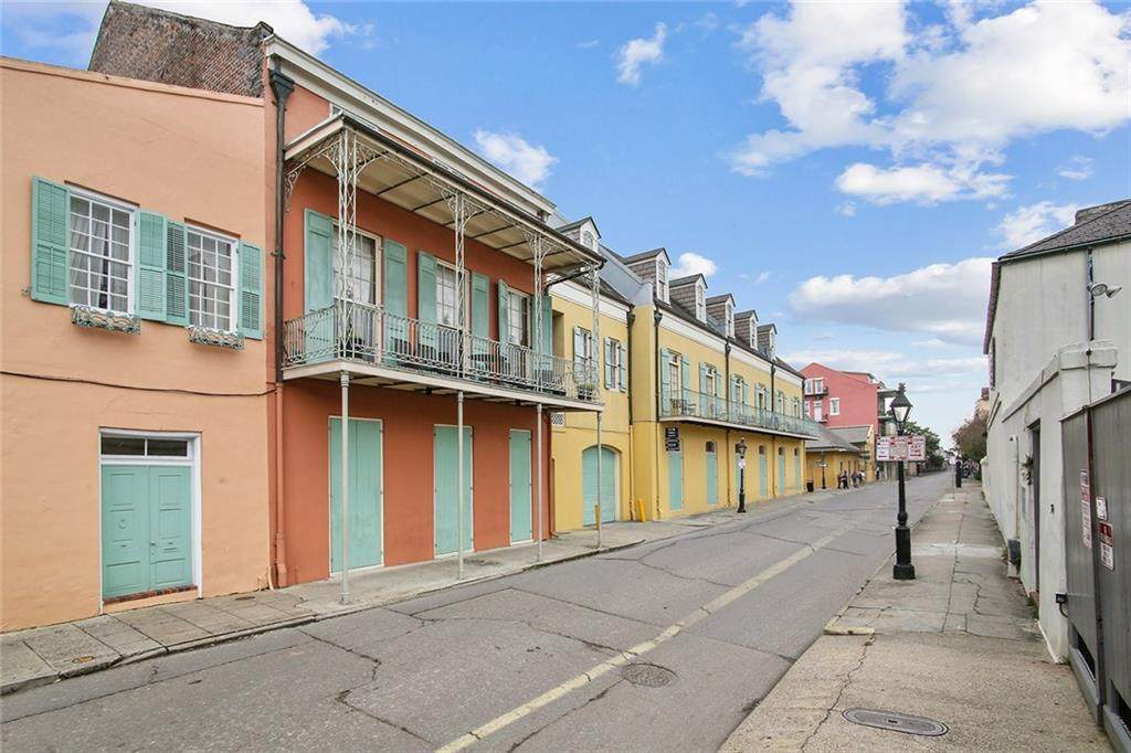 1040 Chartres Street - Photo 1