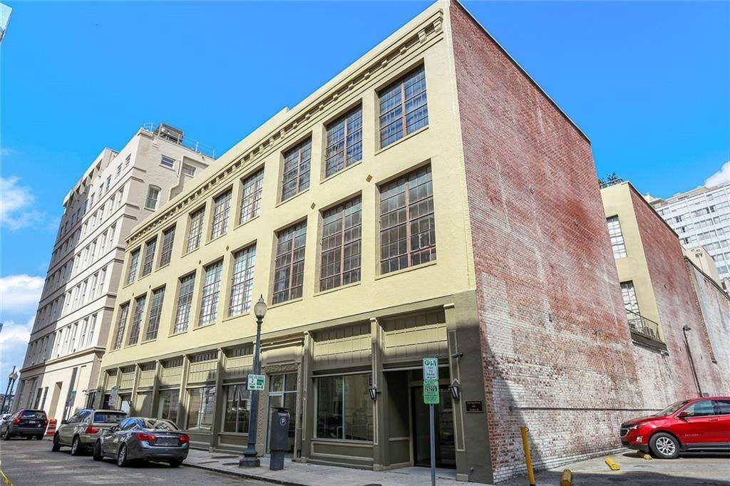 821 Perdido Street - Photo 1