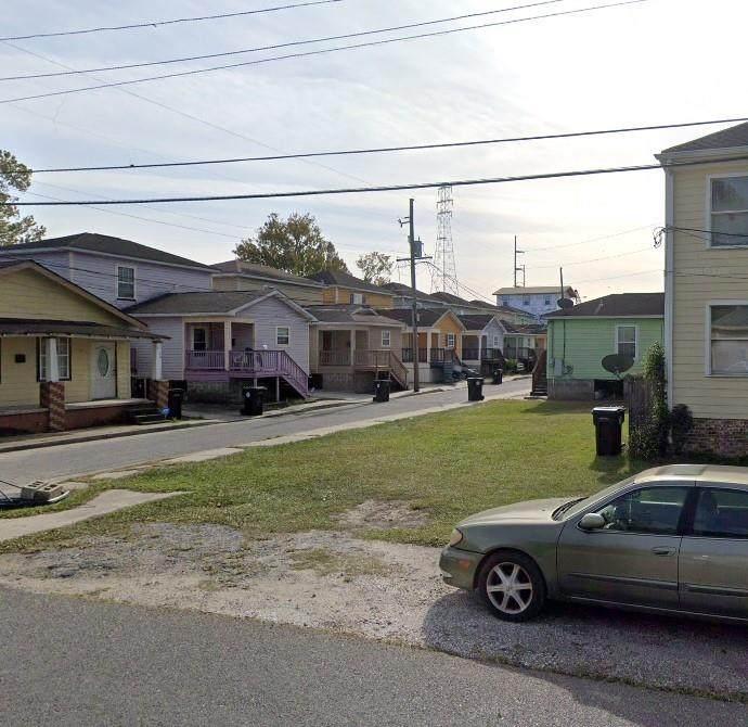 8922 Willow Street - Photo 1