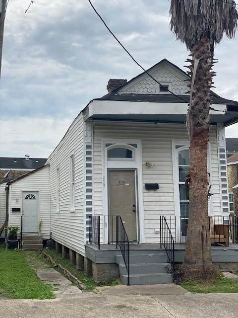 528 Tupelo Street - Photo 1