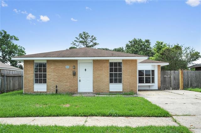621 Grovewood Drive, Gretna, LA 70056 (MLS #2113070) :: Crescent City Living LLC
