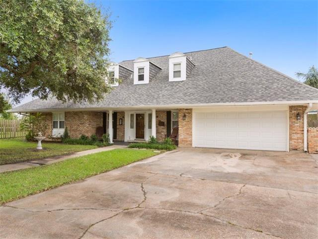 56 Carolyn Court, Arabi, LA 70032 (MLS #2120071) :: The Robin Group of Keller Williams