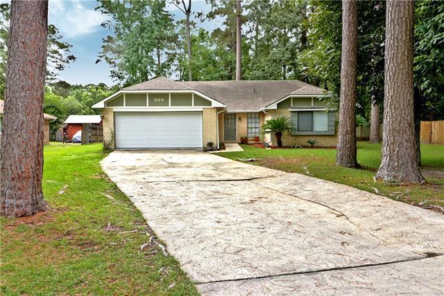 509 Laurel Oak Drive, Mandeville, LA 70471 (MLS #2161301) :: Turner Real Estate Group