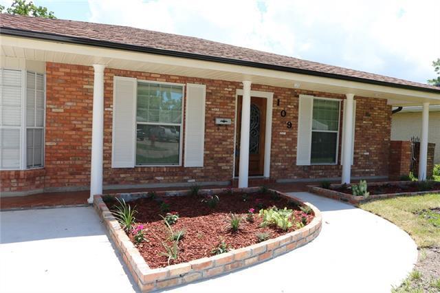 109 Willow Drive, Gretna, LA 70053 (MLS #2161525) :: Turner Real Estate Group