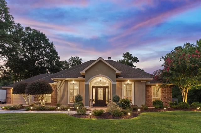 18113 Claiborne Drive, Ponchatoula, LA 70454 (MLS #2166352) :: Crescent City Living LLC
