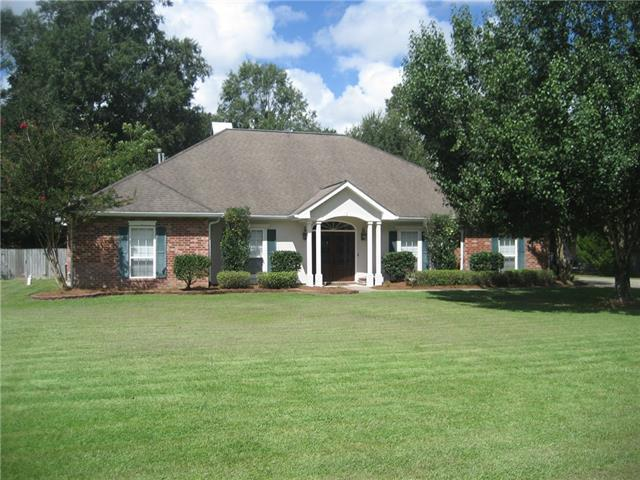 39345 Oaklyn Drive, Ponchatoula, LA 70454 (MLS #2171989) :: Crescent City Living LLC