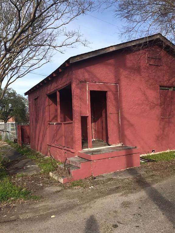 1031 Egania Drive, New Orleans, LA 70117 (MLS #2181930) :: Crescent City Living LLC