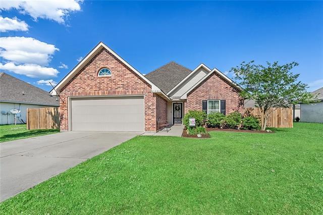 41040 Sky Brook Place, Ponchatoula, LA 70454 (MLS #2202918) :: Inhab Real Estate